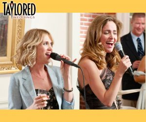 wedding, reception, maid of honor, matron of honor, speech, toast, MOH, reception, dinner, family, on the mic